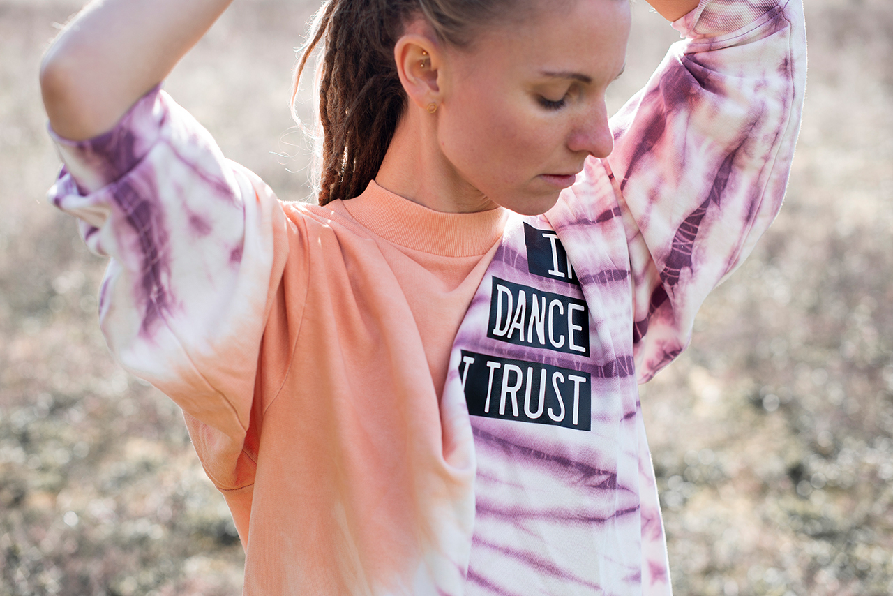Header_Pulli_1_In_Dance_I_Trust_Closh-1280